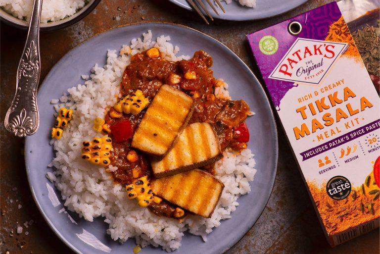 tofu-z-pieczarkami-kukurydza-i-papryka